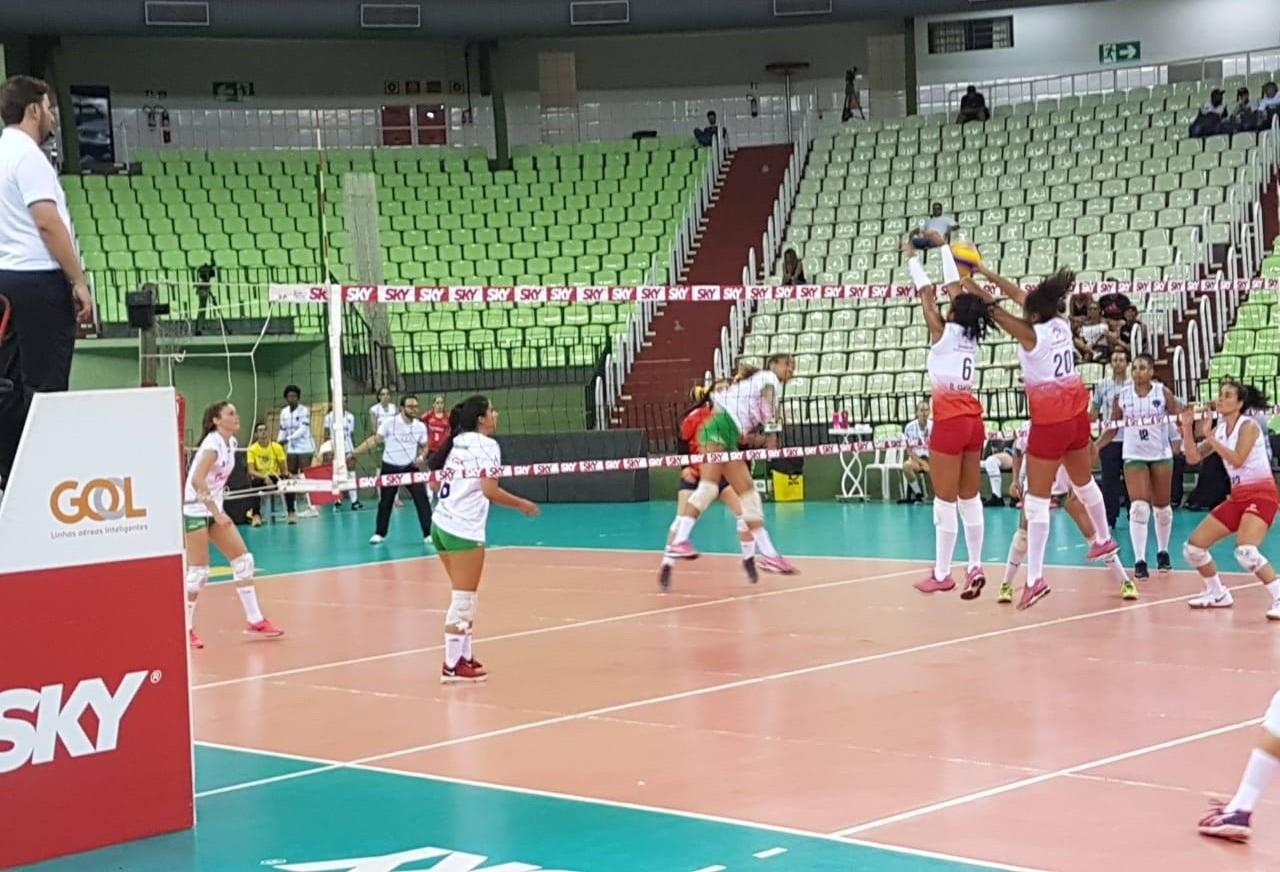 Após vencer na estreia, Amavolei enfrenta o São José dos Pinhais