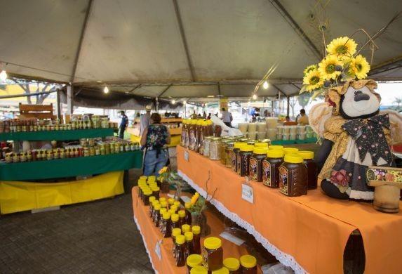 Feira da Agroindústria começou nesta quinta-feira (23)