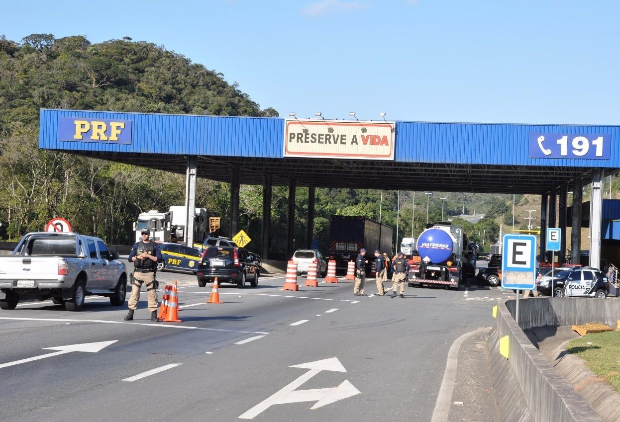 11 pessoas morreram nas estradas federais do Paraná