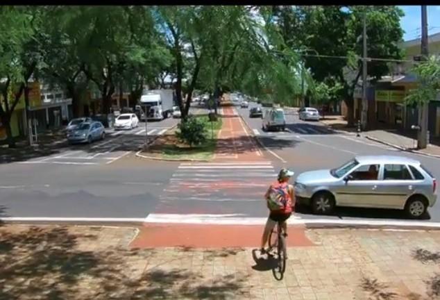 Bicicleta como meio de transporte é tema de documentário em Maringá