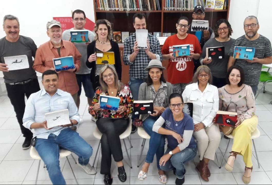 Clube de Leitura Maringá comemora 13 anos