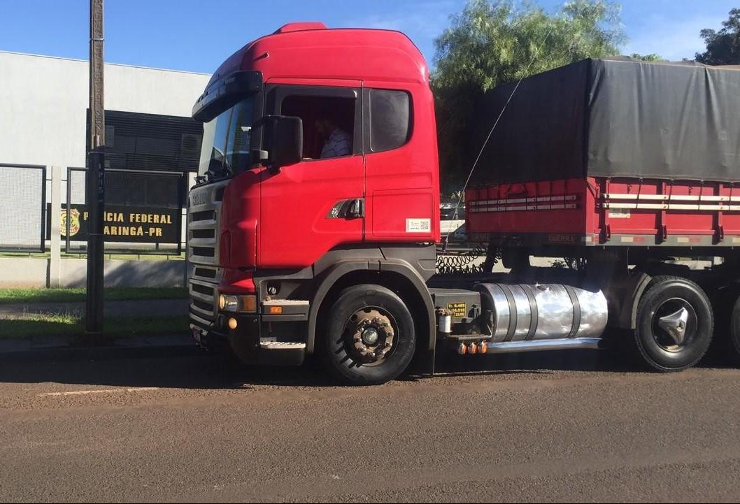 Polícia Federal apreende duas carretas com cigarros contrabandeados do Paraguai