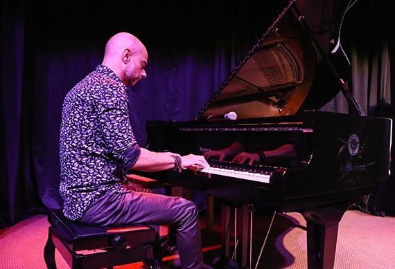 Pianista Rogério Koury se apresenta nessa quinta-feira (16)