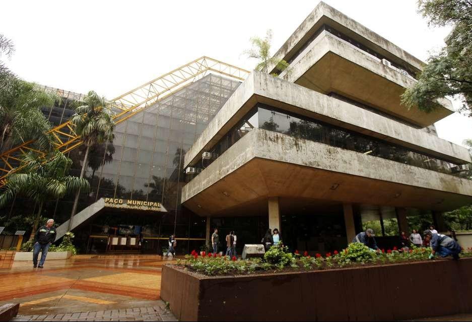 Prefeitura pede que TCE libere licitação da publicidade