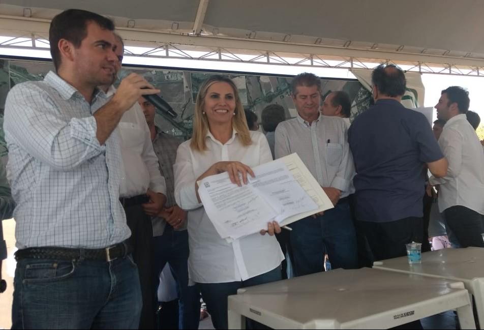 Assinado convênio para duplicar PR-317, entre Maringá e Iguaraçu