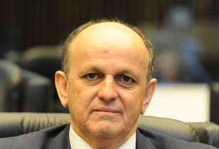 Deputado estadual foi reeleito com metade dos votos que obteve em 2014