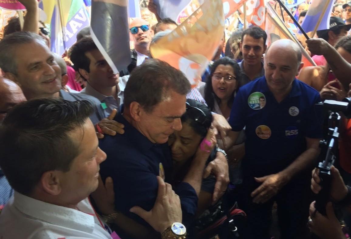 Atual cenário do segundo turno é insanidade, diz Alvaro Dias