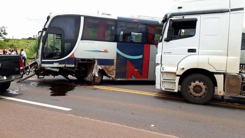 Uma pessoa morre em acidente na PR-323