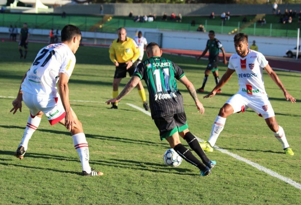 Maringá FC vence o Linense por 2 a 1