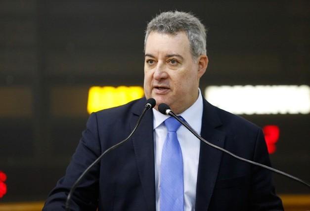 Vereador critica proposta de parcelamento de indenização