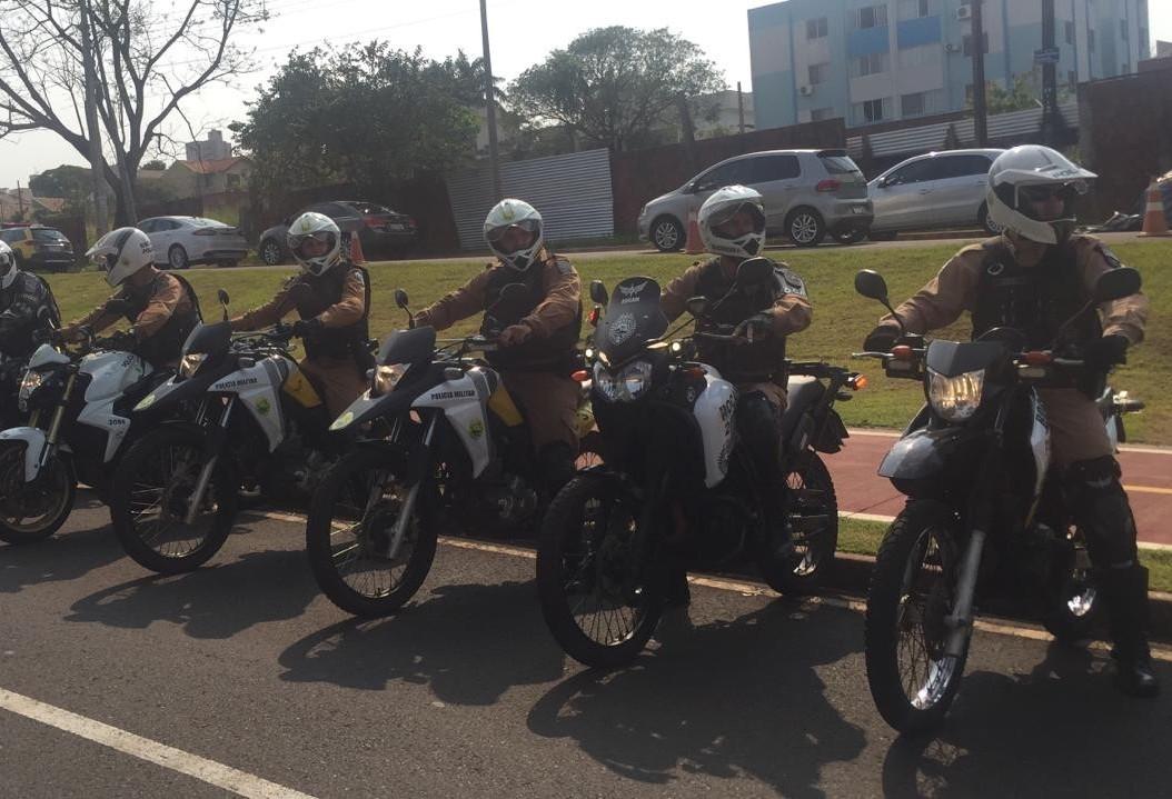 Agentes de segurança são capacitados para pilotar motos