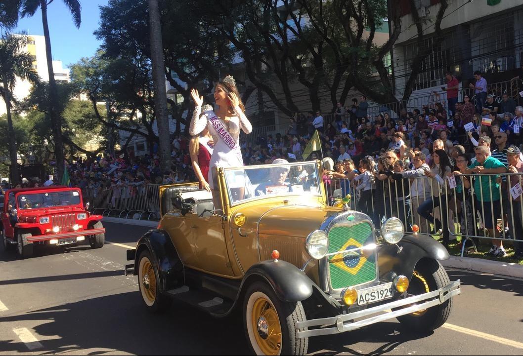 Desfile de aniversário reúne oito mil pessoas, diz Secretaria de Cultura