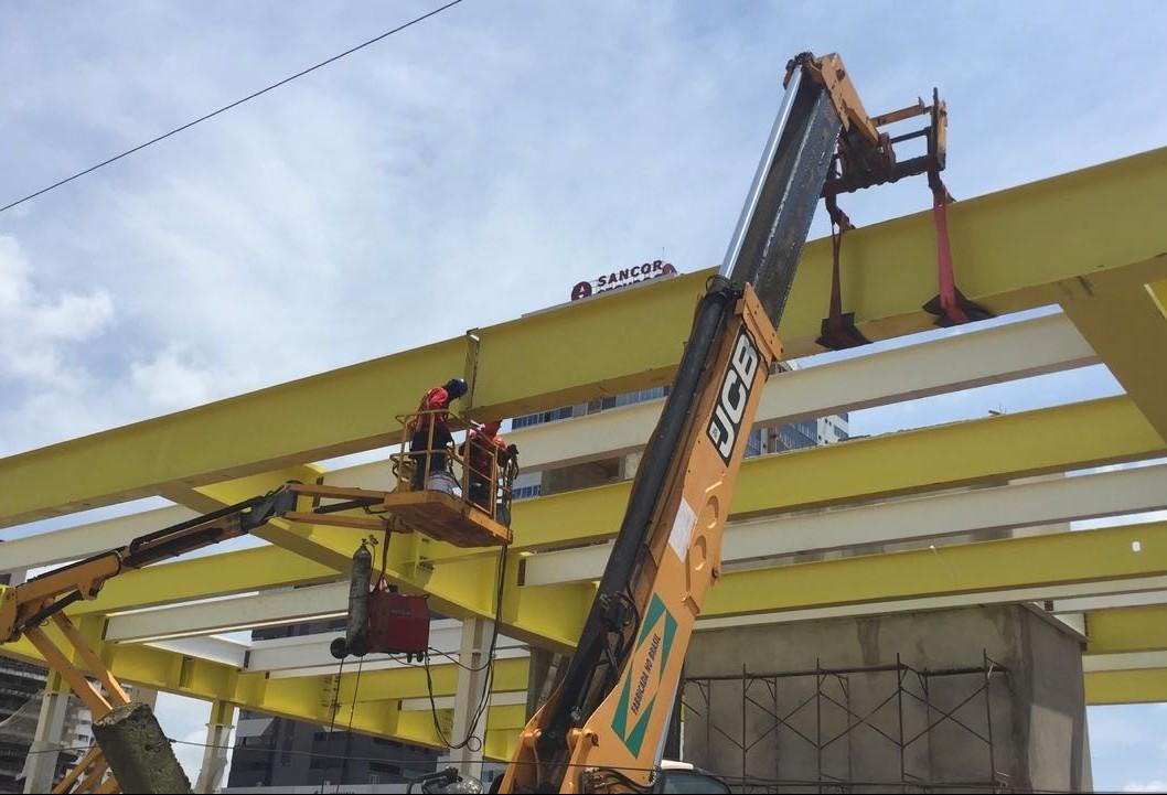 Com atraso, construção do terminal intermodal começa a ser vista