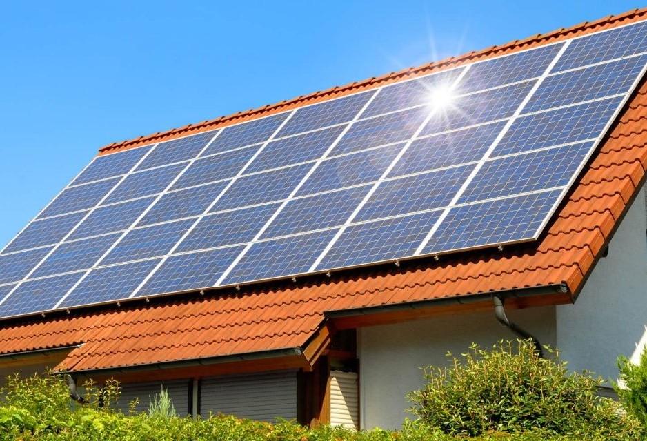 Energia solar fotovoltaica pode ser resposta para economia de luz