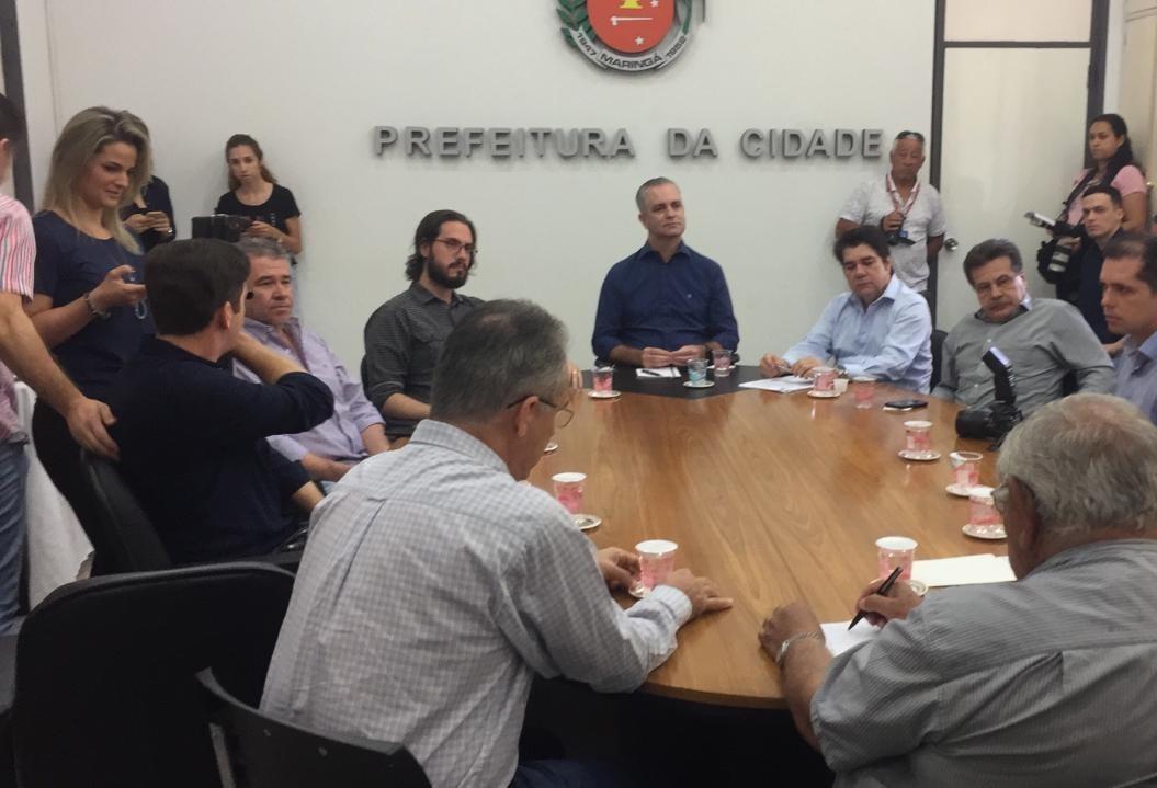 Em encontro com jornalistas prefeito diz que reforma da pista de caminhada do Parque do Ingá começa em janeiro