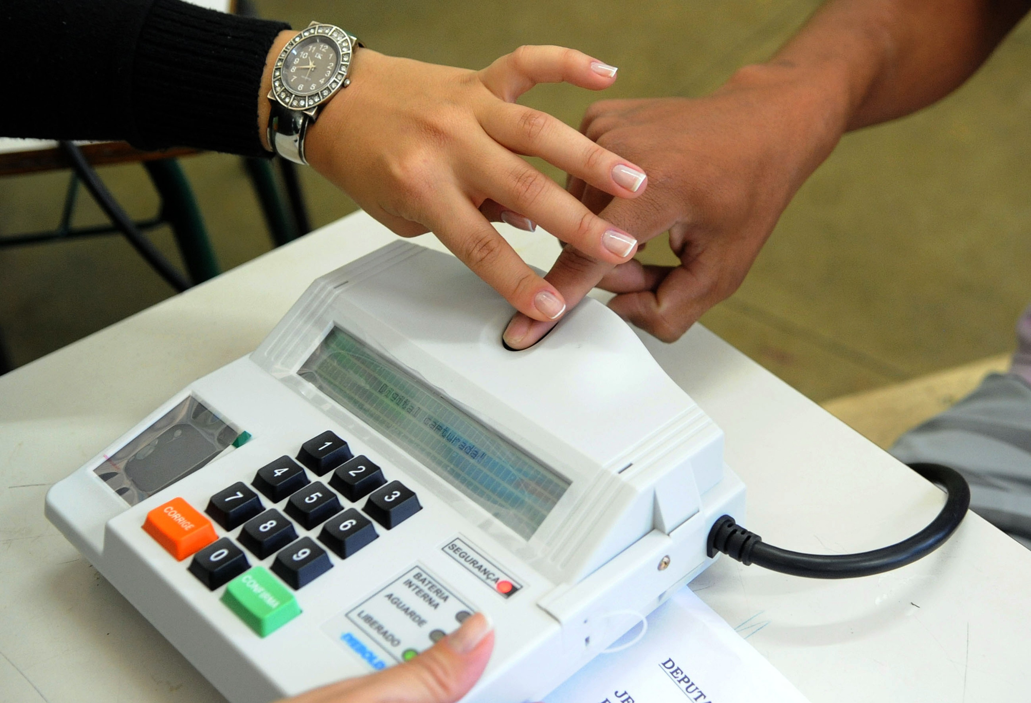 TRE quer finalizar processo biométrico no Paraná em novembro deste ano