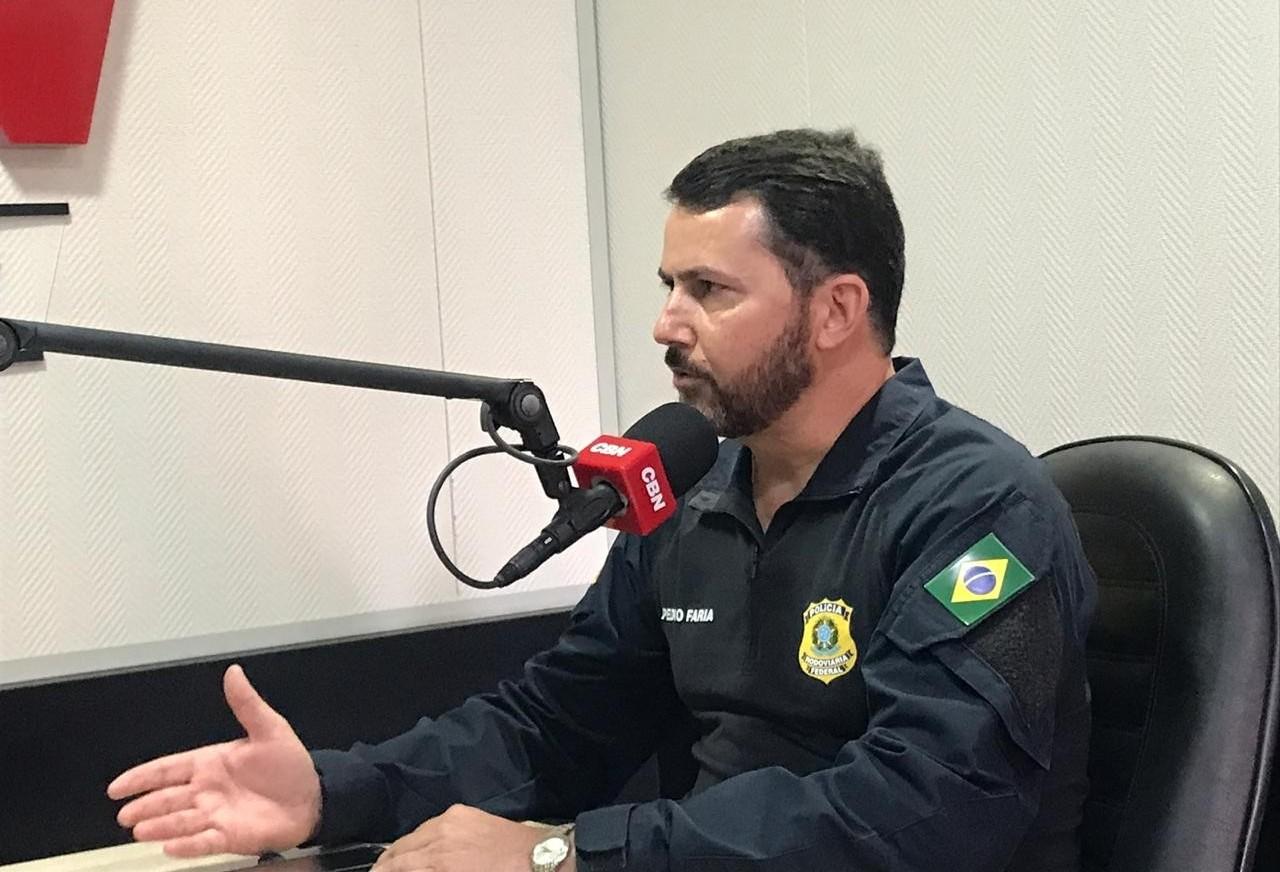 PRF intensifica fiscalização e alerta motoristas