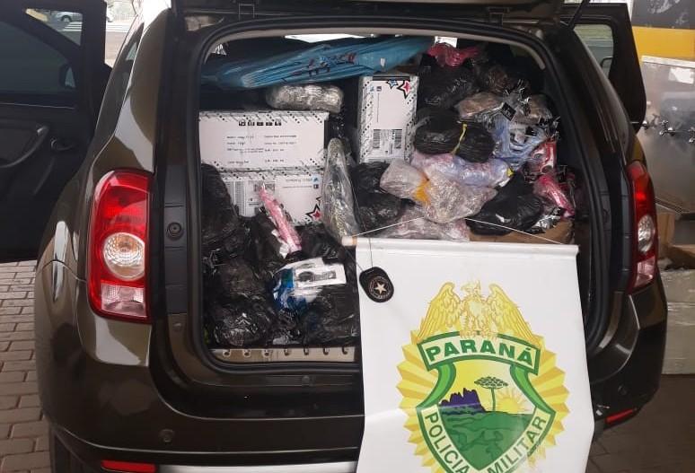 Mulher é presa ao oferecer dinheiro para liberar carro com mercadorias do Paraguai