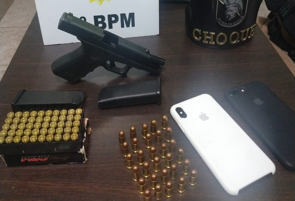 PM apreende arma de fogo e munições em Maringá