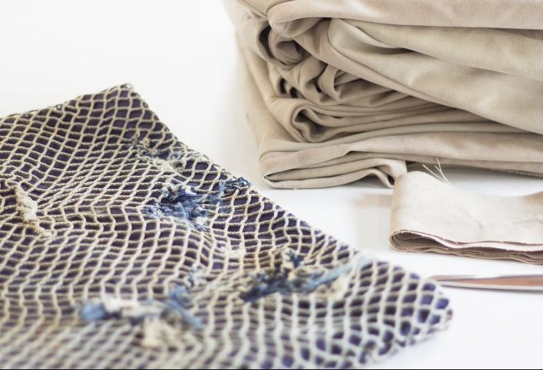 Empresa transforma redes de pesca em tecidos para roupas de banho