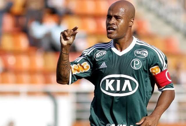 Ex-jogadores do Corinthians e Palmeiras jogam em Maringá