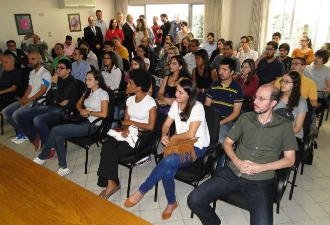 Paraná implanta residência técnica para recém-formados