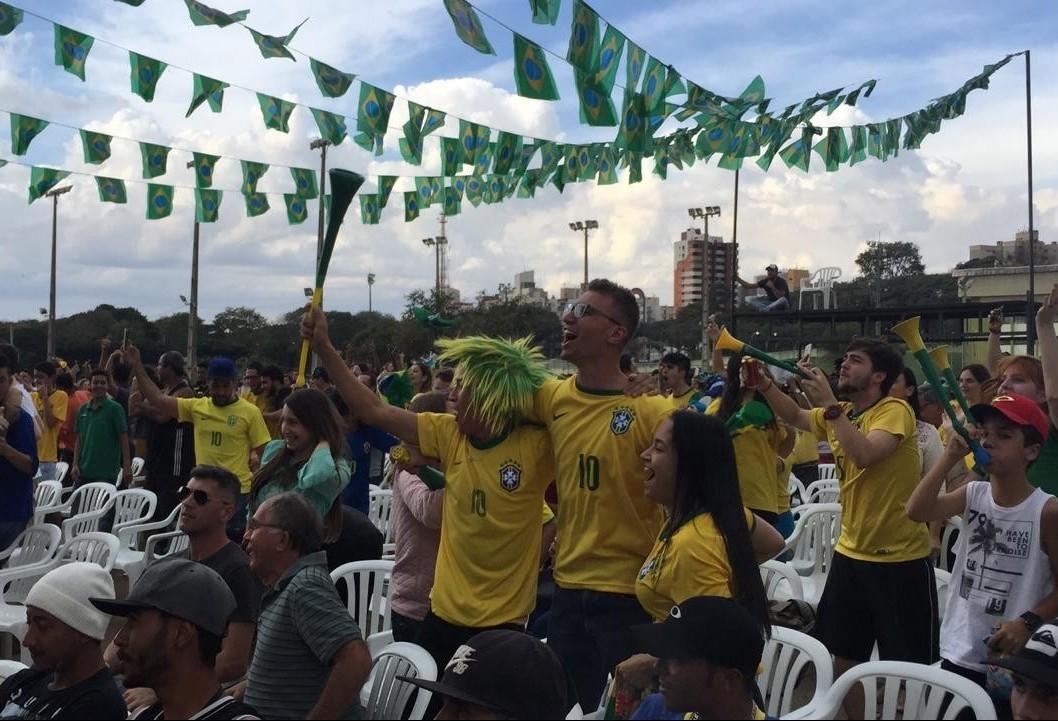 Maringaenses vibraram com a vitória do Brasil sobre a Sérvia