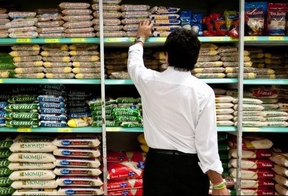 Conselho de Leigos consegue aprovar e regular abertura de supermercados aos domingos