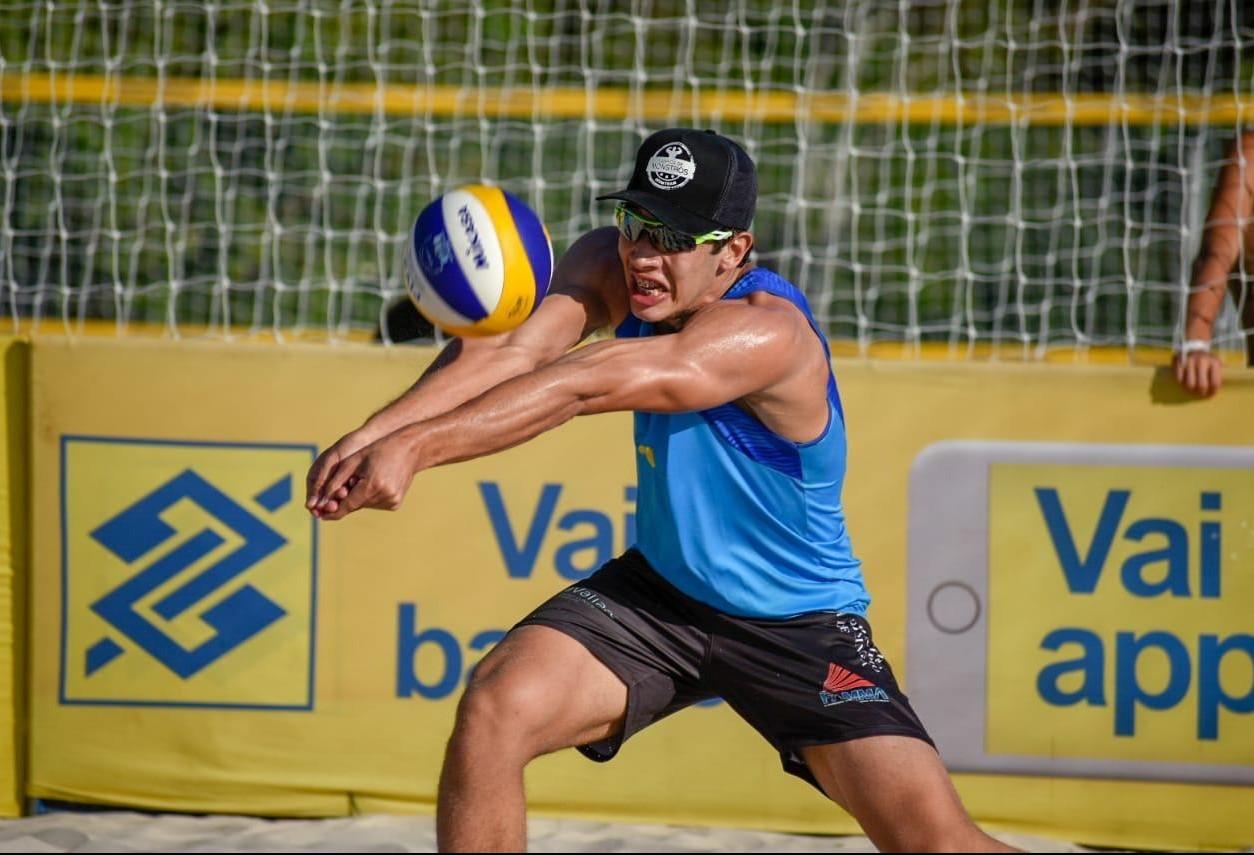 Três atletas maringaenses vão representar o Brasil em mundial de vôlei