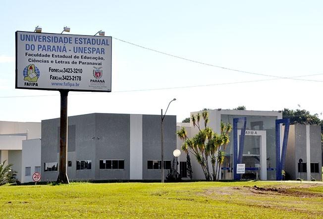 Estudantes ocupam sede da Unespar em Paranavaí