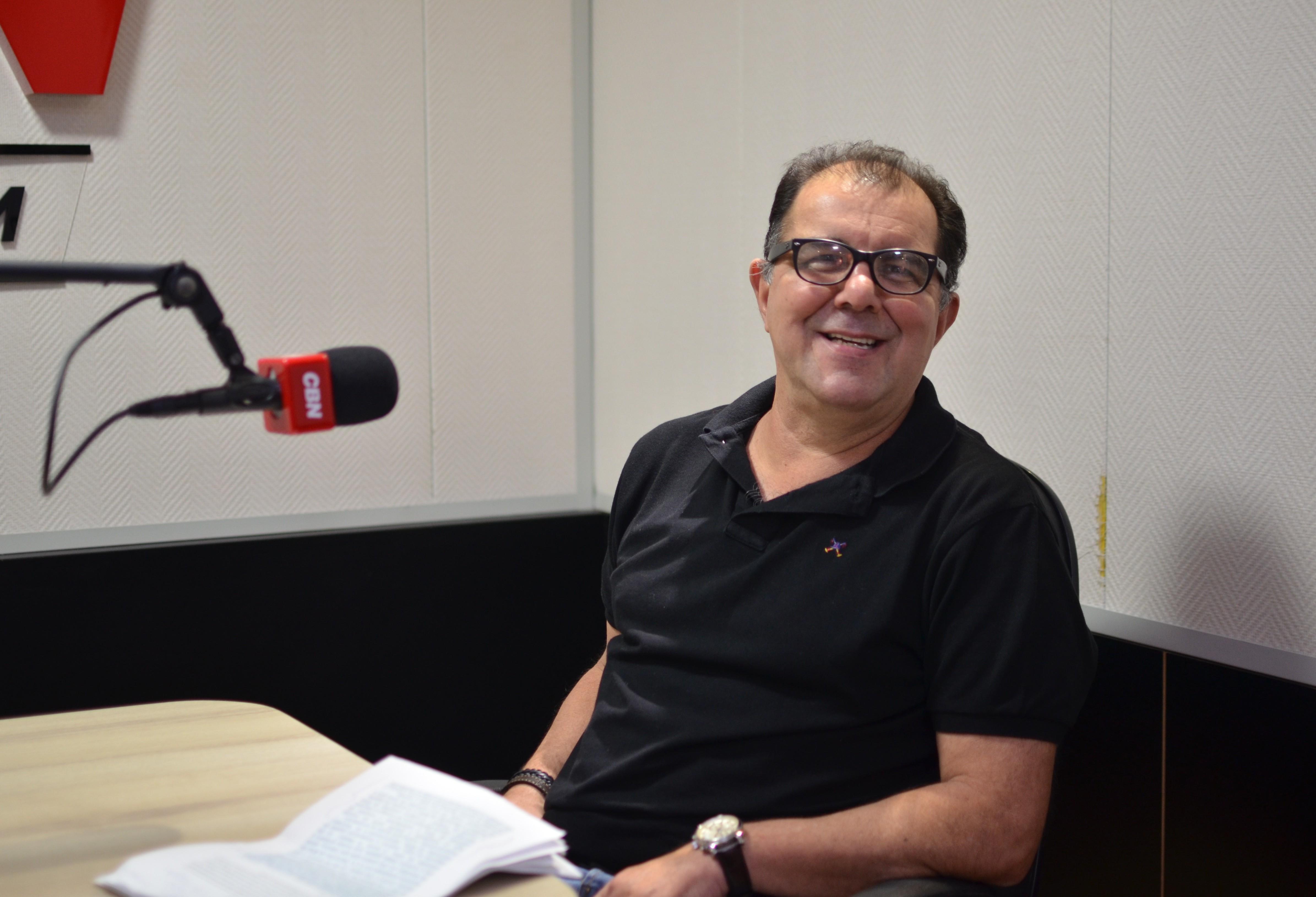 Petronilho de Brito, Além de criar o chute de bicicleta, foi o primeiro jogar negro a jogar fora do Brasil