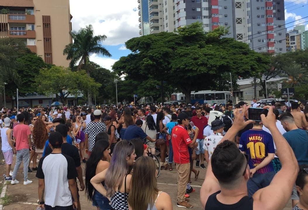 Mesmo sem prefeitura e bloco, foliões fazem a festa em Maringá