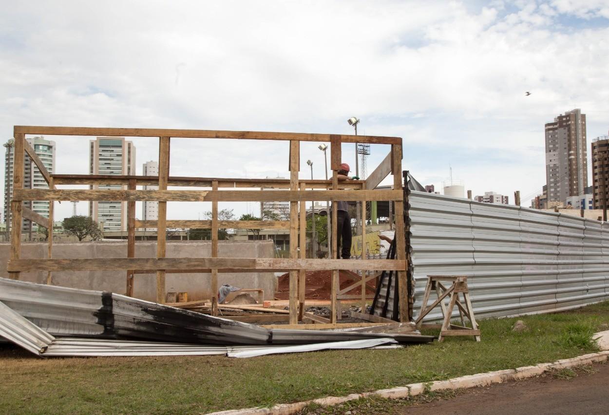 Após rompimento de contrato, construção da pista de skate é retomada