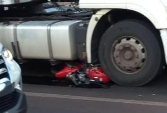 Motociclista morre em acidente na Avenida Colombo
