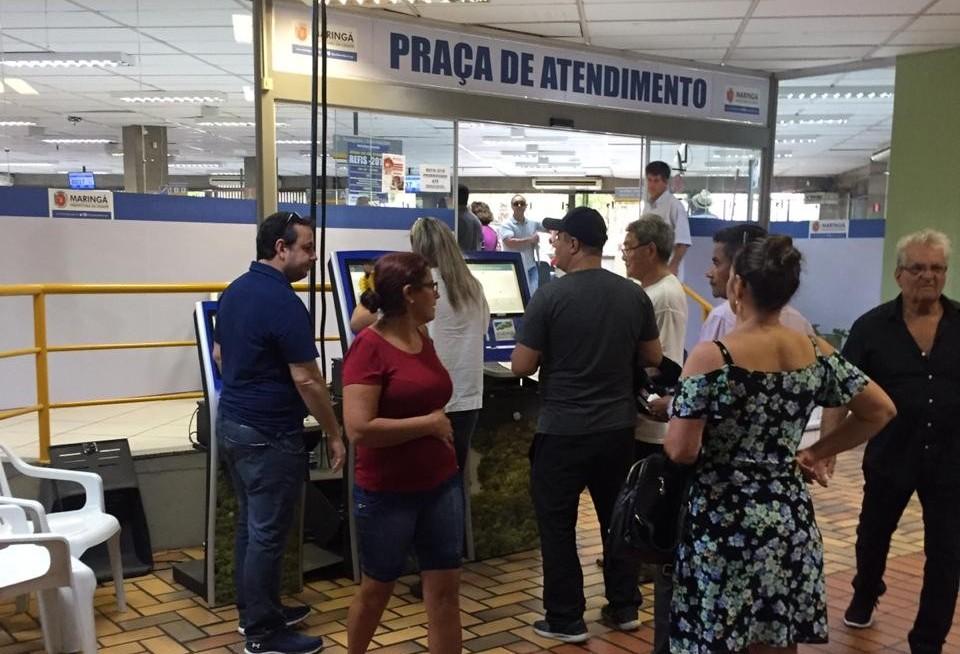 Praça de Atendimento segue movimentado para a retirada das guias de IPTU