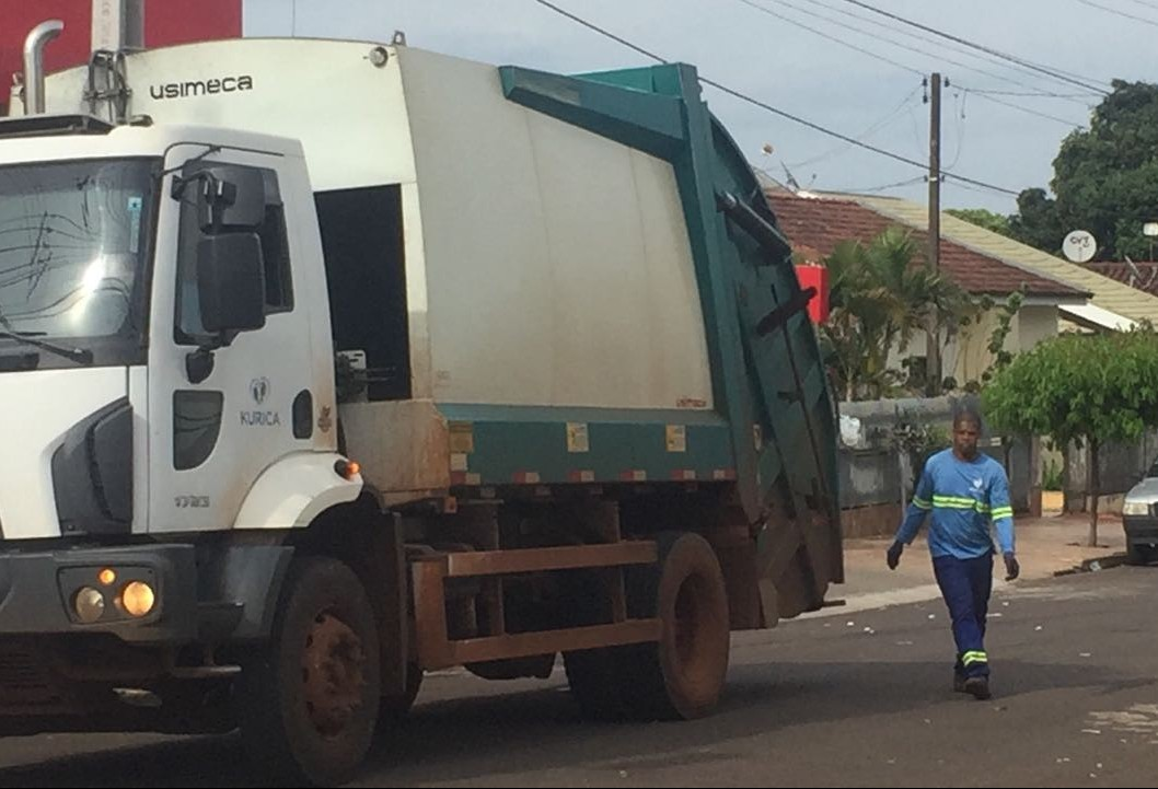 Presos do semiaberto vão trabalhar na coleta de lixo