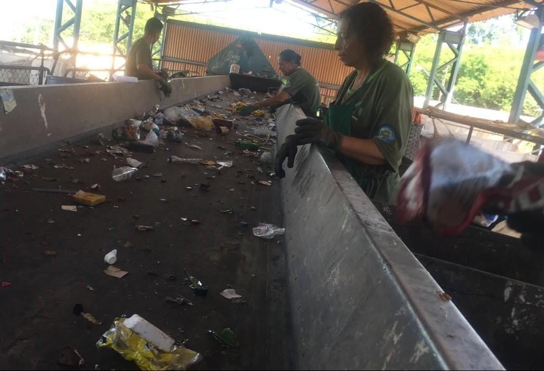 Cooperativas de Maringá seguem recebendo pouco material reciclável