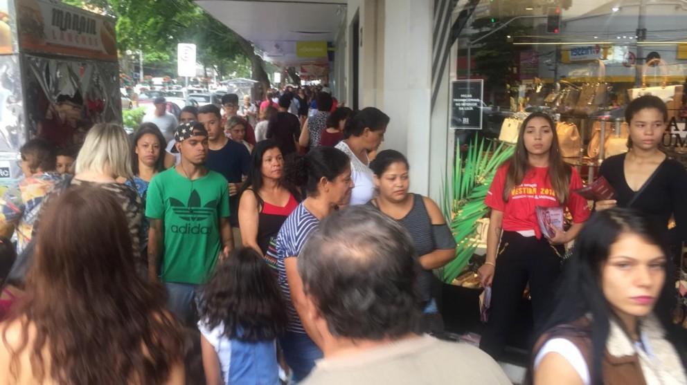 Lojas reabrem nesta quarta-feira (27) comemorando aumento nas vendas de Natal