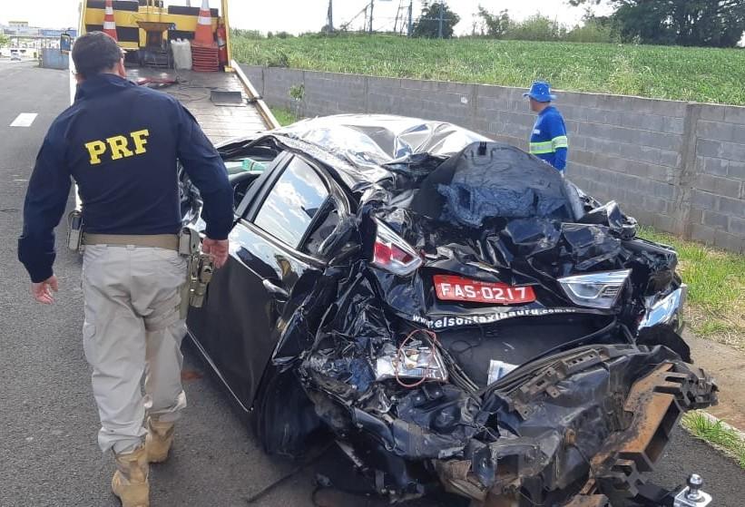 Veículo sofre acidentes simultâneos perto do Contorno de Mandaguari