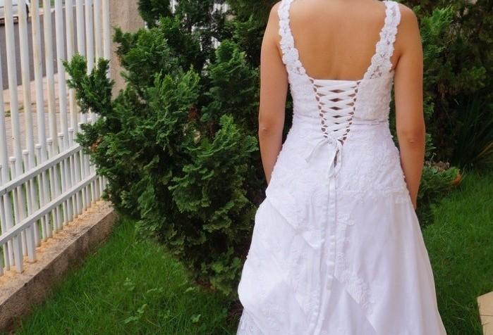 Bazar vende mais de 100 vestidos de noiva usados em Maringá