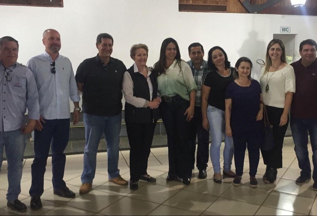 Candidata a vice-presidente em chapa do PSDB elogia cooperativa de Maringá