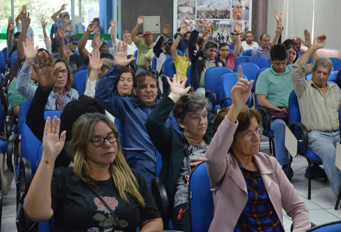 Servidores ligados ao Sinteemar entram em estado de greve