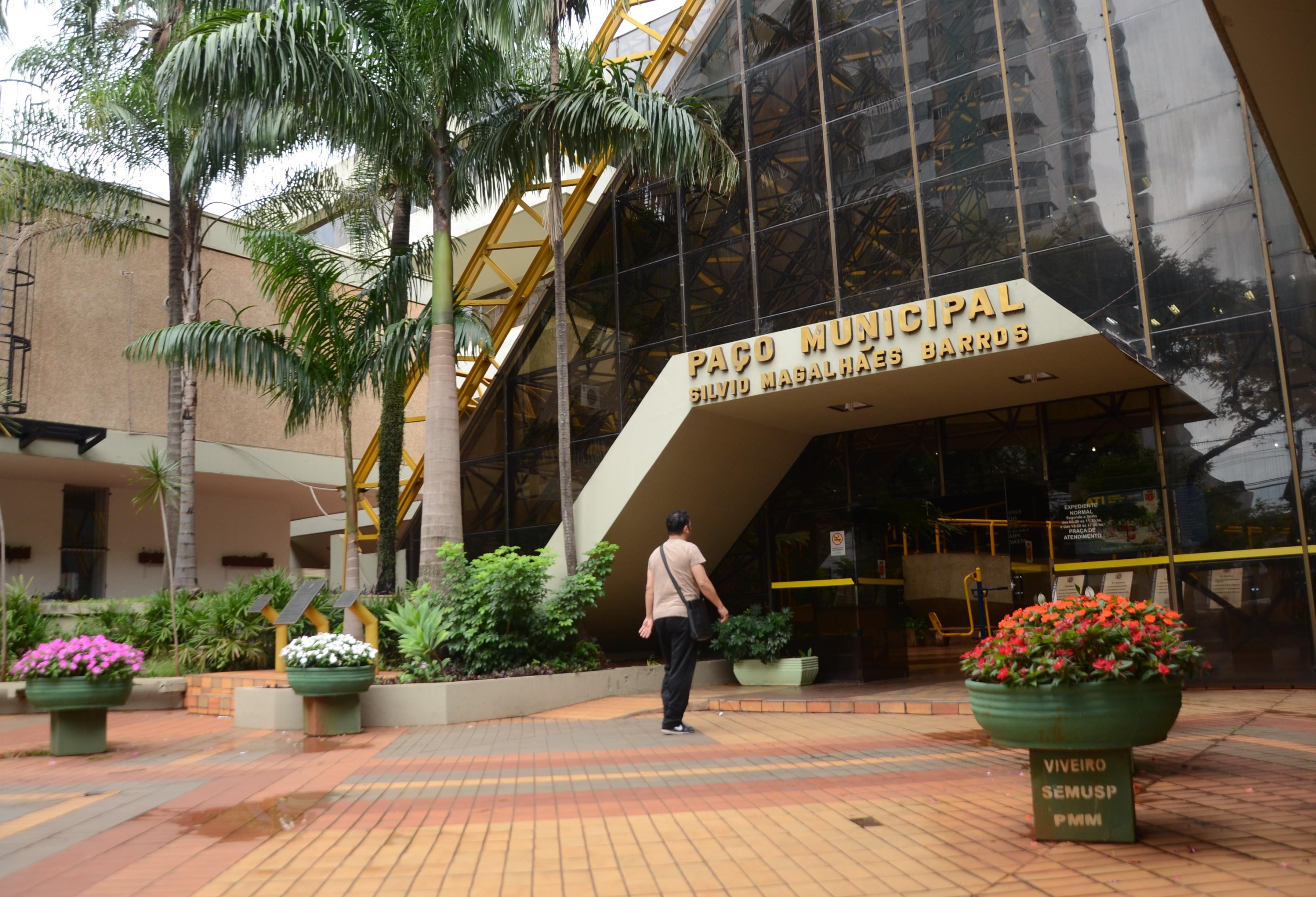 Prefeitura bloqueia registro de horas extras