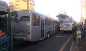 Motoristas paralisam serviço de transporte coletivo de Maringá nesta sexta-feira