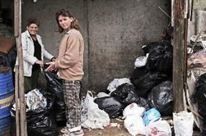 70% dos catadores de recicláveis no país são mulheres e 65% delas são chefes de família