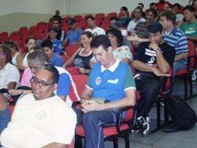Vereadores de Maringá aprovam projeto que prevê o reconhecimento dos profissionais de educação física do município como funcionários de ensino superior