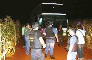"""Operação """"Piratas do Asfalto"""" prende maior quadrilha de assaltantes de ônibus do Paraná"""