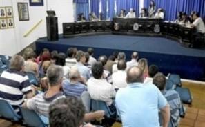 Pressão popular faz Câmara de Paiçandu manter número de vereadores