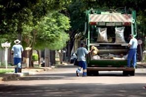 Terceirização da coleta do lixo em Maringá vai permitir o aumento da coleta seletiva