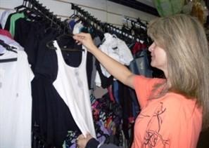 Inverno com temperaturas de verão afasta consumidores das lojas de confecção de Maringá